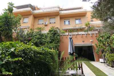 Townhouse in calm green community close to Port Ginesta
